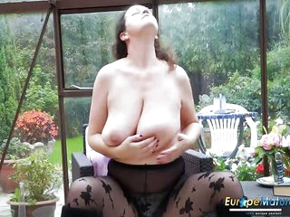 EuropeMaturE Hot Busty Solo Lady Playing Alone With Her BBW Body In The Garden