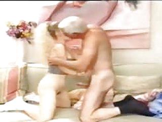 porno tube abuelo con una joven