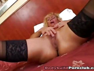 MILF Victoria gets pussy pummeled