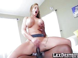 Horny mature Eva rides Lexingtons bbc