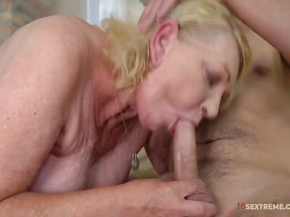 Horny Mature Mom Gets Fucked