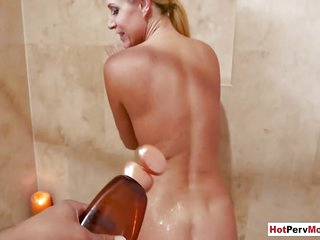 Blonde mature stepmom fucked by her stepson in the bath