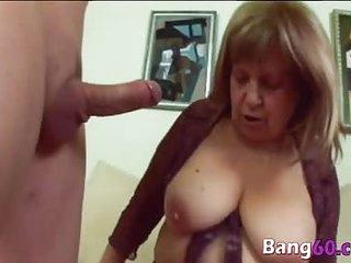 Big tit mature woman gets banged